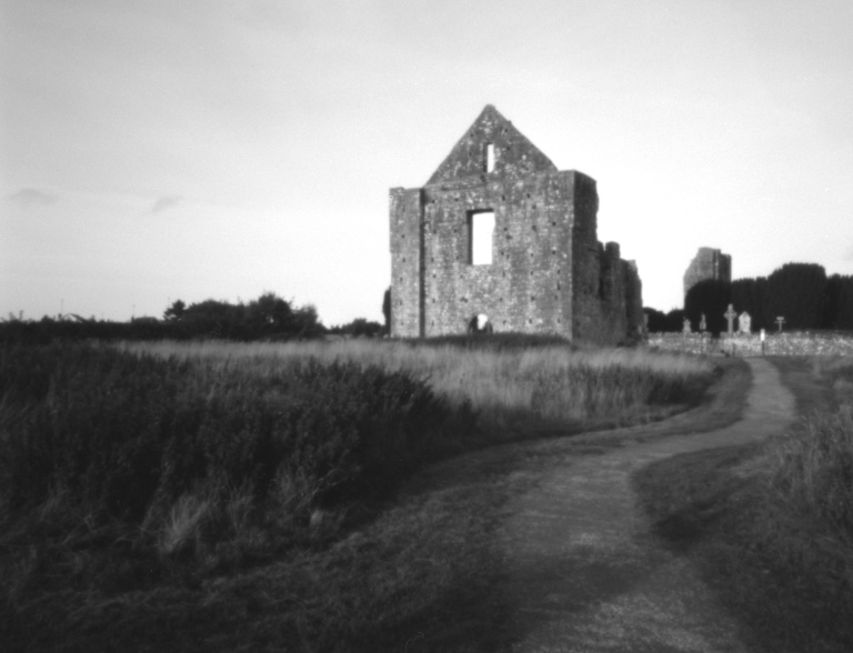 Newtown Abbey - Pin Hole